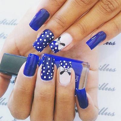 Unhas decoradas azuis Com Bolinhas